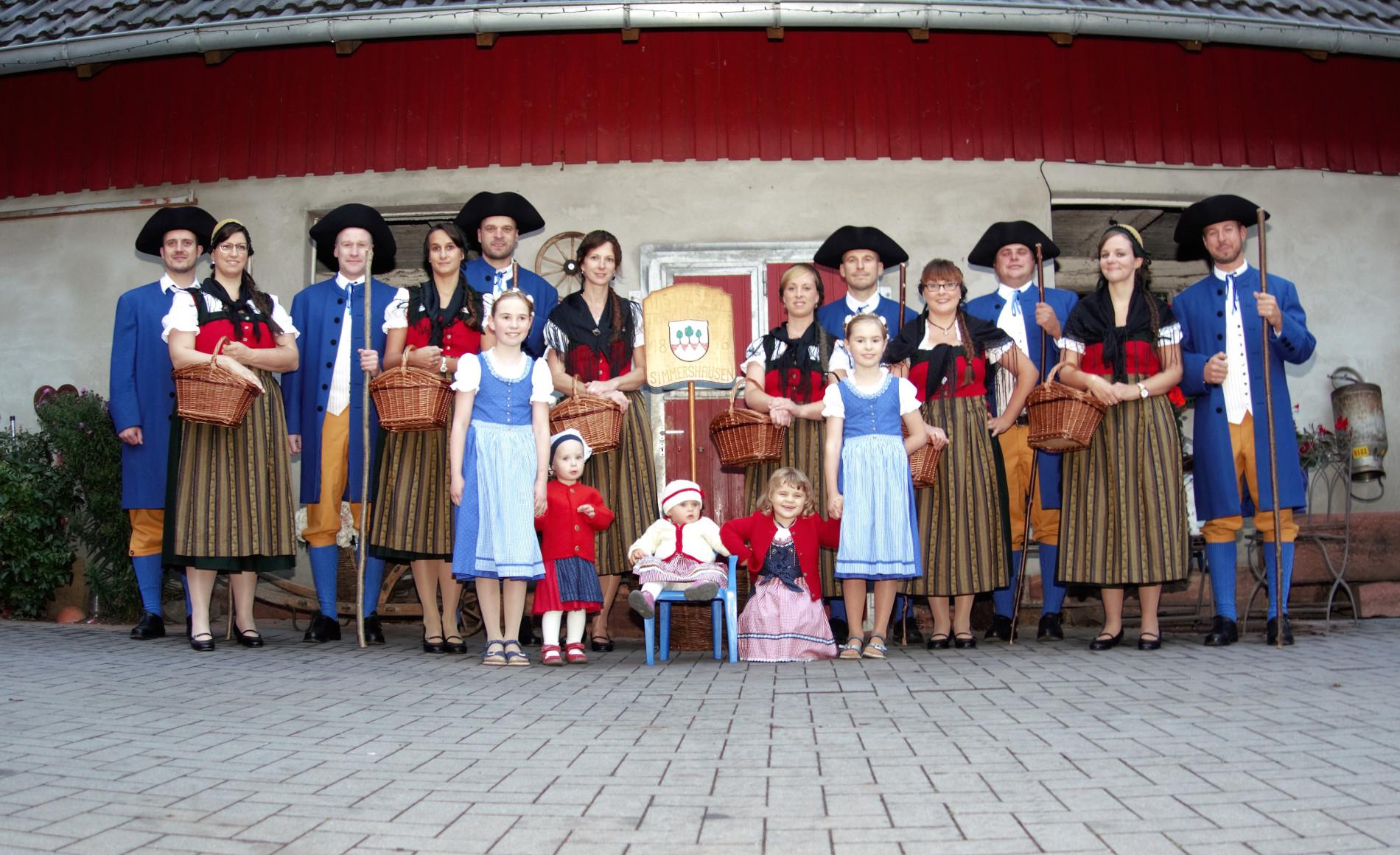03-Historische Trachtengruppe 1817-1